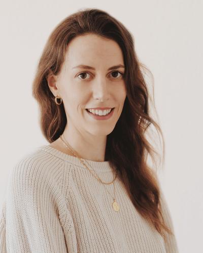 Profilbild Texterin und Content Creator Ilka Bröskamp
